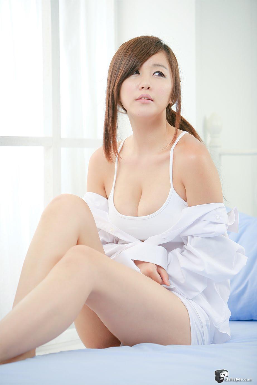 sexy maxim girls naked